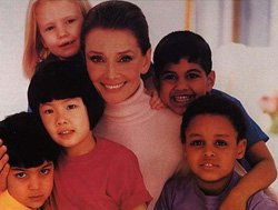Audrey Hepburn et enfants - UNICEF